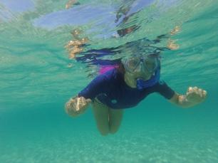 am Schnorcheln im klaren Wasser