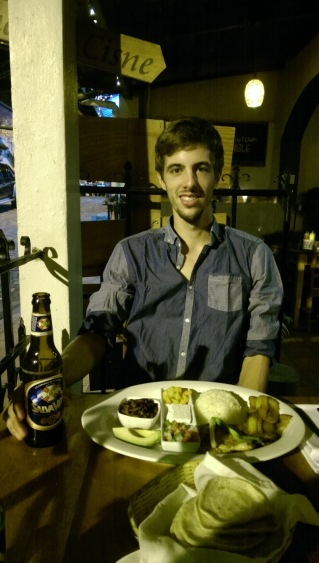 """ein """"Plato Typico"""", ein typischer honduranischer Teller"""