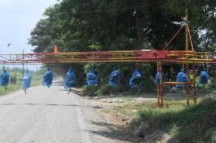 Die Bananen-Lifte führen direkt über die Strasse