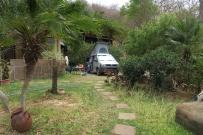 Übernachtungsplatz in Bahia Salinas, in der Hälfte der steilen Strasse konnten wir parkieren