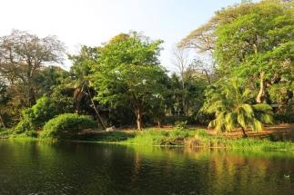 der Fluss gehört auch zum Hof
