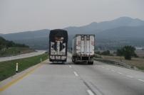 ein etwas überfüllter LKW!