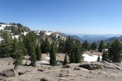 der Nationalparkt ist im Juli immer noch mit Schnee bedeckt