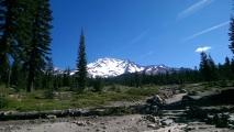 der Mount Shasta ist 4322 müM hoch, ein imposanter Berg