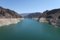 der sinkende Wasserstand des Lake Mead ist deutlich erkennbar