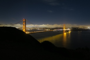 die Golden Gate Bridge by night