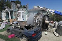 ein abgestürztes Flugzeug wurde extra hirhin verfrachtet um einen Film zu drehen