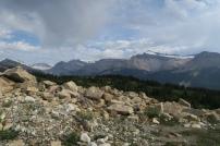 schöne Aussicht auf die andere Bergkette mit vielen Gletschern