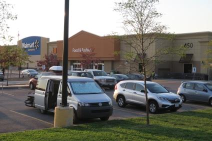 unser gratis Übernachtungsplatz; auf dem Parkplatz vom Einkaufsladen Walmart