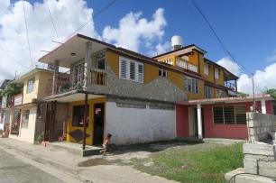 Das Casa Particular (der gelbe Teil im 2. Stock) in Baracoa