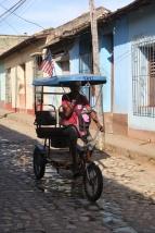 Bici-Taxi die die Touristen herum kutschieren
